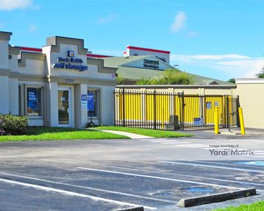 Storage Units for Rent available at 5305 Manatee Avenue West, Bradenton, FL 34209 Photo Gallery 1