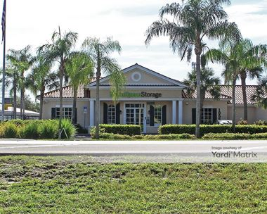 Storage Units for Rent available at 10550 Goodlette-Frank Road, Naples, FL 34109 Photo Gallery 1