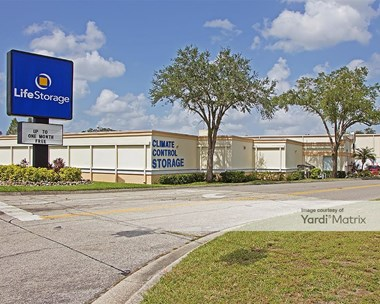 Storage Units for Rent available at 2201 Fruitville Road, Sarasota, FL 34237 Photo Gallery 1