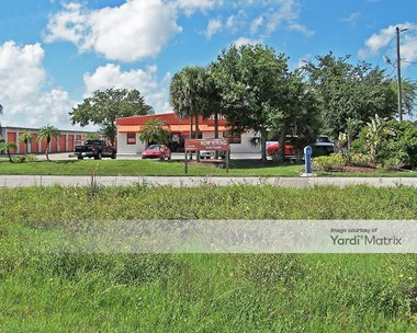 Storage Units for Rent available at 3232 Colonial Blvd, Fort Myers, FL 33966 Photo Gallery 1