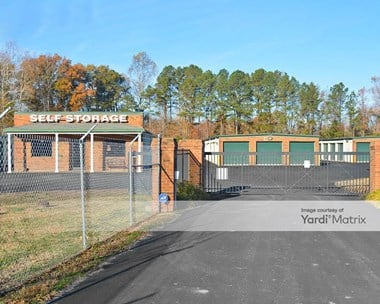 Storage Units for Rent available at 6338 George Washington Memorial Hwy, Gloucester, VA 23061 Photo Gallery 1