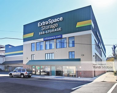 Storage Units for Rent available at 320 Elizabeth Avenue, Newark, NJ 07112 Photo Gallery 1