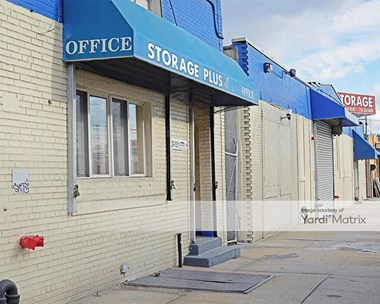 Storage Units for Rent available at 1053 Metropolitan Avenue, Brooklyn, NY 11211 Photo Gallery 1