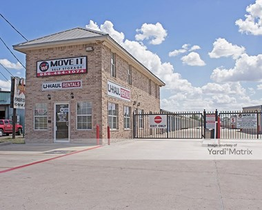 Storage Units for Rent available at 1091 West Expressway 83, Donna, TX 78537 Photo Gallery 1