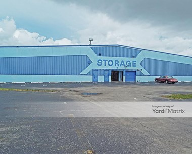 Storage Units for Rent available at 1616 North Florida Mango Road, West Palm Beach, FL 33409 Photo Gallery 1