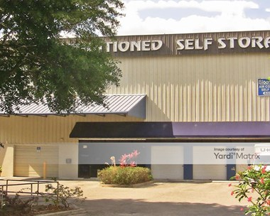 Storage Units for Rent available at 912 East Bloomingdale Avenue, Brandon, FL 33511 Photo Gallery 1