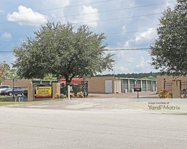 Storage Units for Rent available at 2825 Jacks Road, Davenport, FL 33897 Photo Gallery 1