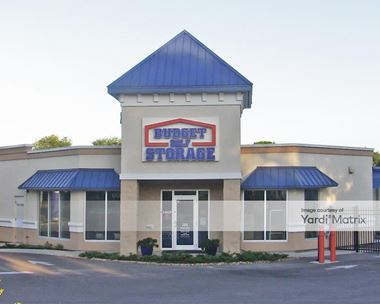 Storage Units for Rent available at 607 East Bloomingdale Avenue, Brandon, FL 33511 Photo Gallery 1