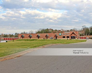 Storage Units for Rent available at 760 South Hogan Lane, Conway, AR 72034 Photo Gallery 1