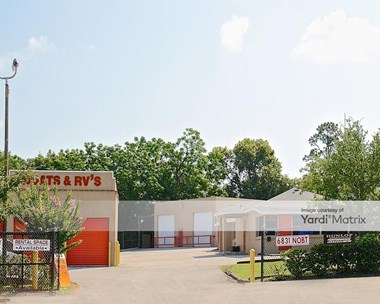 Storage Units for Rent available at 6831 North Orange Blossom Trail, Orlando, FL 32810 Photo Gallery 1