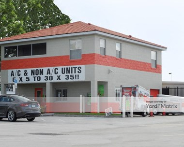 Storage Units for Rent available at 350 Commerce Center Drive, Saint Cloud, FL 34769 Photo Gallery 1