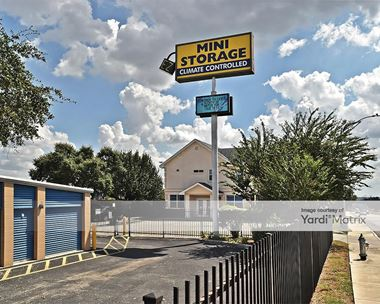 Storage Units for Rent available at 7600 Tezel Road, San Antonio, TX 78250 Photo Gallery 1