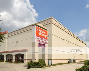 Storage Units for Rent available at 8630 Broadway Street, San Antonio, TX 78217 Photo Gallery 1