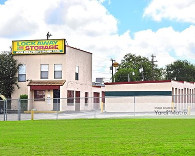 Storage Units for Rent available at 1018 Patricia, San Antonio, TX 78213 Photo Gallery 1