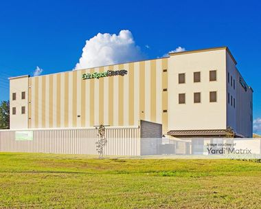 Storage Units for Rent available at 1751 Fortune Road, Kissimmee, FL 34744 Photo Gallery 1