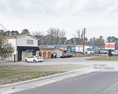 Storage Units for Rent available at 409 Loop Road, Garner, NC 27529 Photo Gallery 1