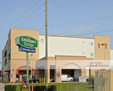 Storage Units for Rent available at 1001 Lee Road, Orlando, FL 32810 Photo Gallery 1