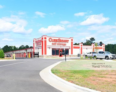 Storage Units for Rent available at 3409 East US 70, Durham, NC 27703 Photo Gallery 1