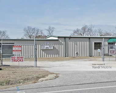 Storage Units for Rent available at 4691 Ray Road, Spring Lake, NC 28390 Photo Gallery 1