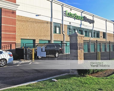 Storage Units for Rent available at 74 State Route 17, Hasbrouck Heights, NJ 07604 Photo Gallery 1