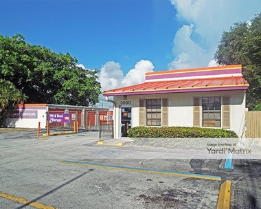 Storage Units for Rent available at 3000 North Federal Hwy, Delray Beach, FL 33483 Photo Gallery 1