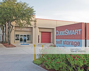 Storage Units for Rent available at 330 Business Pkwy, Royal Palm Beach, FL 33411 Photo Gallery 1
