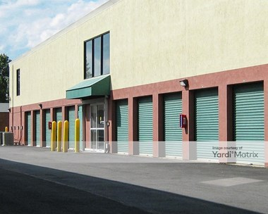 Storage Units for Rent available at 2820 Hollywood Road, Falls Church, VA 22043 Photo Gallery 1