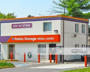 Storage Units for Rent available at 4312 Ravensworth Road, Annandale, VA 22003 Photo Gallery 1
