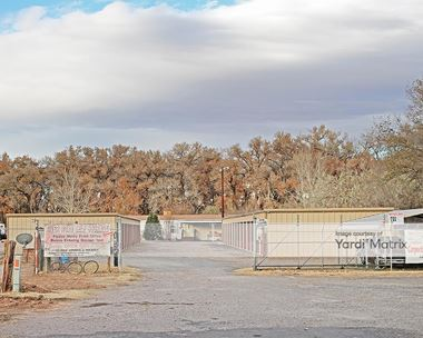 Storage Units for Rent available at 1524 River Road, Belen, NM 87002 Photo Gallery 1