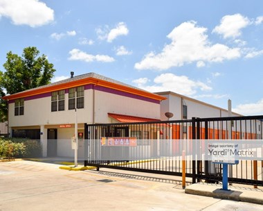 Storage Units for Rent available at 1938 NE Loop 410, San Antonio, TX 78217 Photo Gallery 1