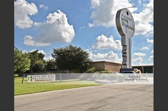 Aaa San Antonio >> A Aaa Key Mini Storage 9610 West Loop 1604 North