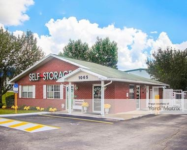 Storage Units for Rent available at 1065 Blanding Blvd, Orange Park, FL 32065 Photo Gallery 1
