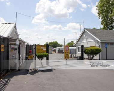 Storage Units for Rent available at 3036 Q Street, North Highlands, CA 95660 Photo Gallery 1