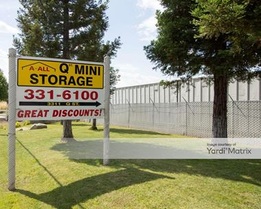 Storage Units for Rent available at 3311 Q Street, North Highlands, CA 95660 Photo Gallery 1