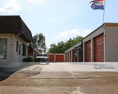 Storage Units for Rent available at 4753 Hazel Avenue, Fair Oaks, CA 95628 Photo Gallery 1