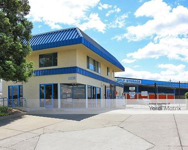 Storage Units for Rent available at 6230 Auburn Blvd, Citrus Heights, CA 95621 Photo Gallery 1