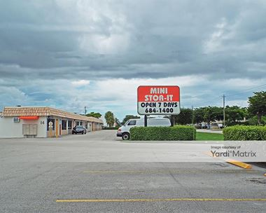 Storage Units for Rent available at 1547 North Florida Mango Road, West Palm Beach, FL 33409 Photo Gallery 1