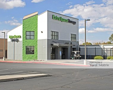 Storage Units for Rent available at 9831 Montgomery Blvd NE, Albuquerque, NM 87111 Photo Gallery 1