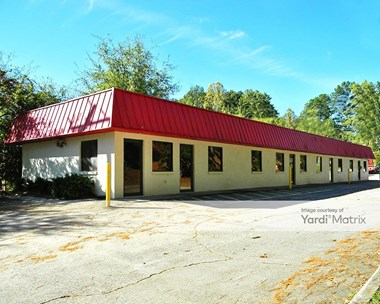 Storage Units for Rent available at 8457 Roswell Road, Sandy Springs, GA 30350 Photo Gallery 1