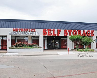 Storage Units for Rent available at 520 West Arapaho Road, Richardson, TX 75080 Photo Gallery 1