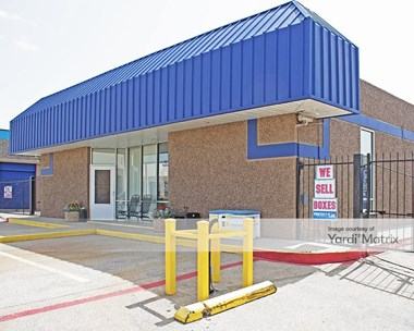 Storage Units for Rent available at 1615 Vantage Drive, Carrollton, TX 75006 Photo Gallery 1