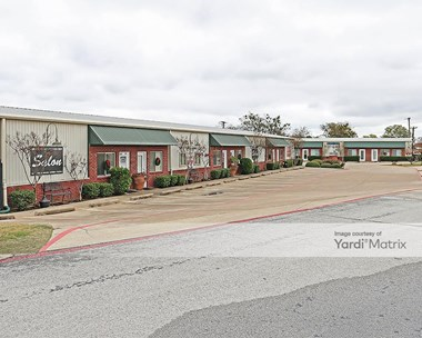 Storage Units for Rent available at 911 East Broad Street, Mansfield, TX 76063 Photo Gallery 1