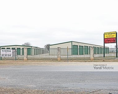 Storage Units for Rent available at 1000 Highland Road, Cleburne, TX 76033 Photo Gallery 1