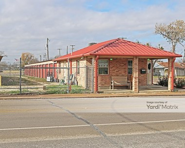 Storage Units for Rent available at 104 North 3rd Street, Grandview, TX 76050 Photo Gallery 1
