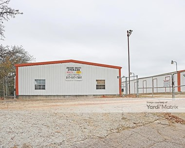 Storage Units for Rent available at 1567 East Henderson Street, Cleburne, TX 76031 Photo Gallery 1