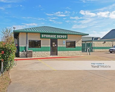 Storage Units for Rent available at 6650 North Riverside Drive, Fort Worth, TX 76137 Photo Gallery 1