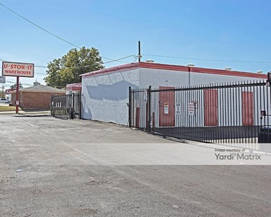 Storage Units for Rent available at 229 North Beach Street, Fort Worth, TX 76111 Photo Gallery 1