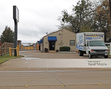 Storage Units for Rent available at 1105 North Little School Road, Arlington, TX 76017 Photo Gallery 1