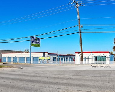 Storage Units for Rent available at 2020 West Pioneer Pkwy, Pantego, TX 76013 Photo Gallery 1