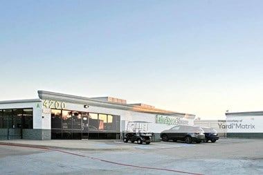 Storage Units for Rent available at 4200 K Avenue, Plano, TX 75074 Photo Gallery 1